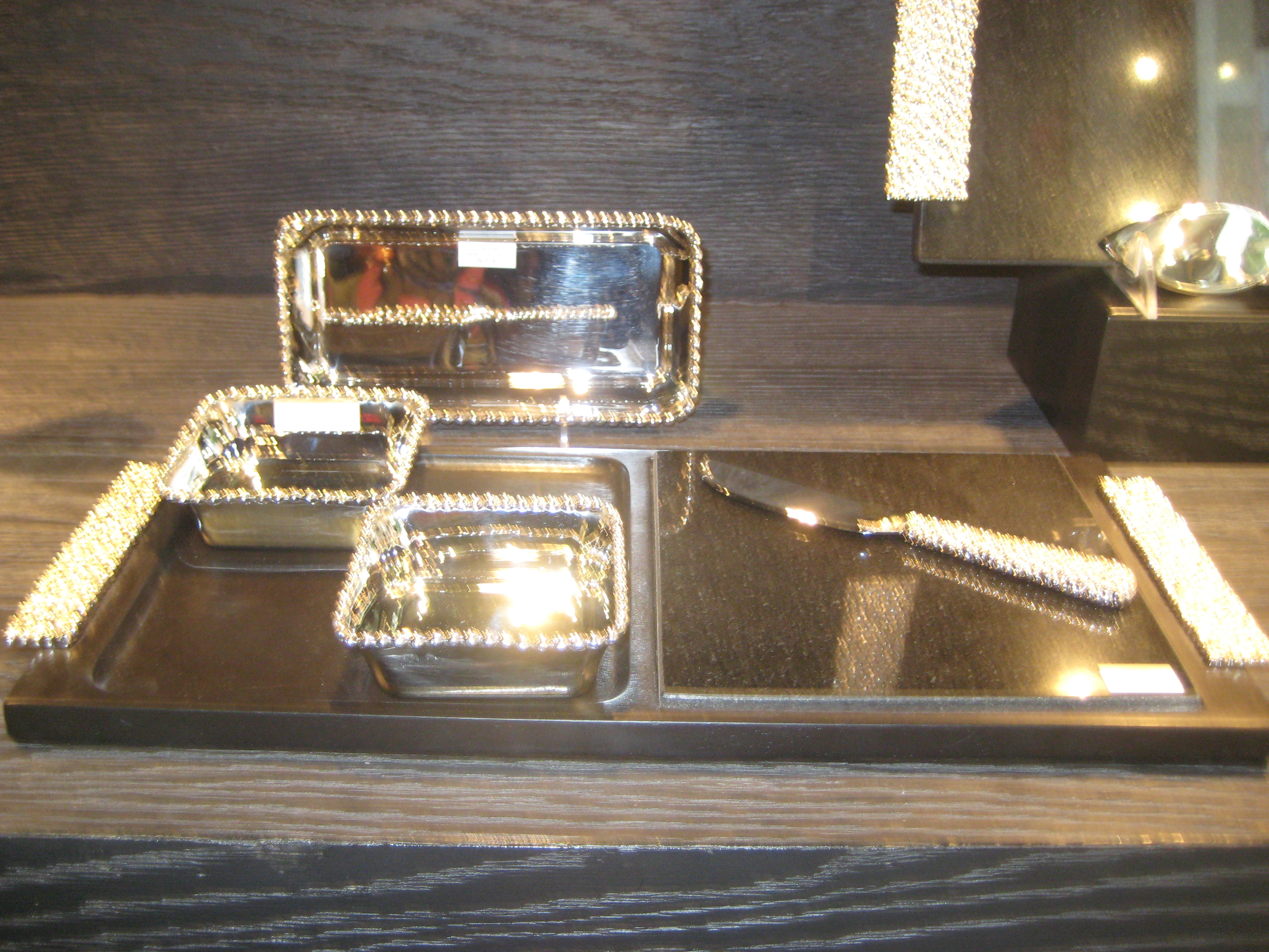 Midtown Girl Decor: Michael Aram New Molten Collection