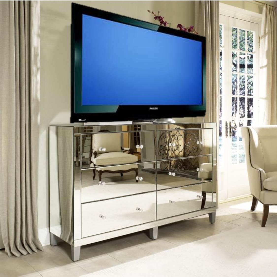 Manhattan Glamour Style: Using A Mirrored Dresser As A