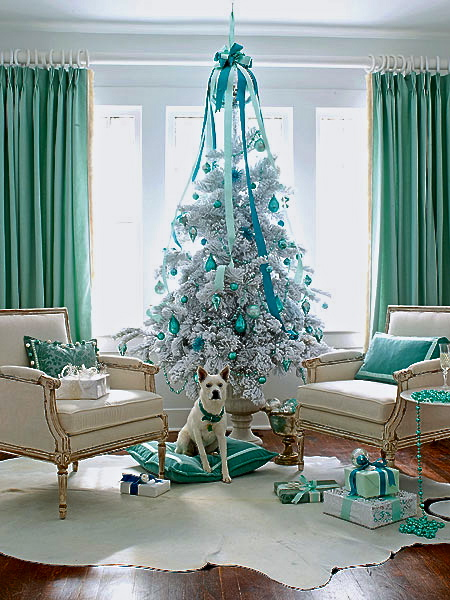 How to decorate a glamorous christmas tree midtown girl for A common decoration for the top of the tree