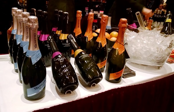 Midtown Girl by Amy Chandra - Mohegan Sun WineFest 2015 (6)