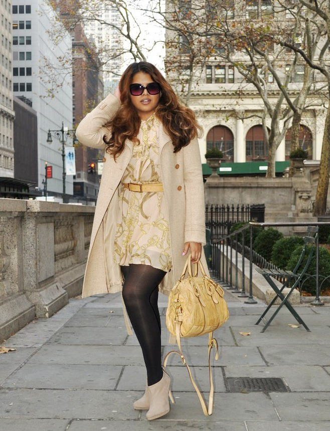 Midtown Girl By Amy Chandra - Tan In The City Trench Coat Style NYC 1 (2)