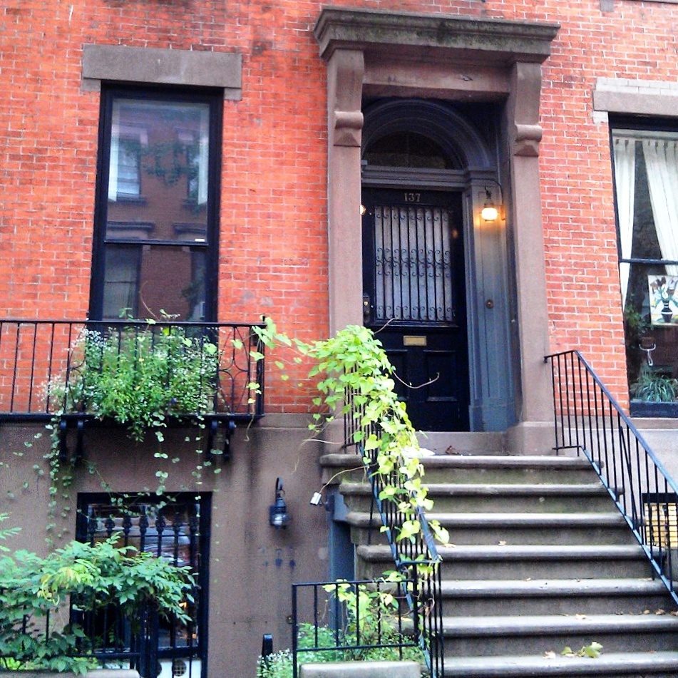 (c)2015 Midtown Girl by Amy Chandra - NYC Weekends Townhouse