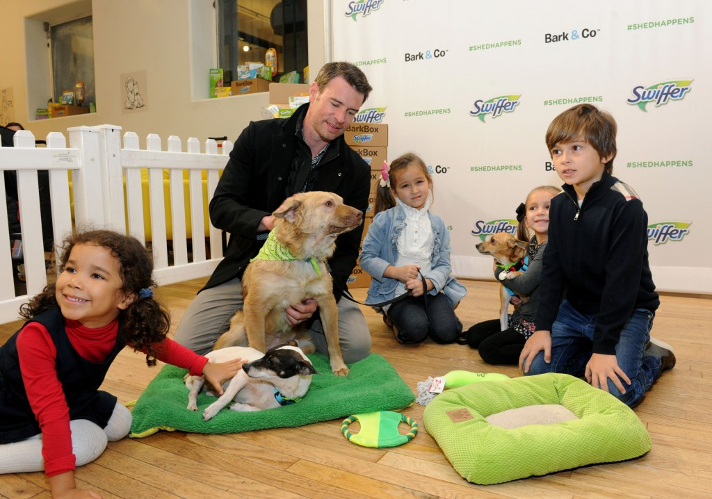 Scott Foley partners with Swiffer to spread the word that cleaning concerns should never be an obstacle to bringing home your childÕs first pet, Thursday, Nov. 12, 2015, in New York. Foley joined Swiffer and Bark & Co. to provide 10,000 Welcome Home Kits, including free Swiffer products, to shelters nationwide this holiday season. (Photo by Diane Bondareff/Invision for Swiffer/AP Images)